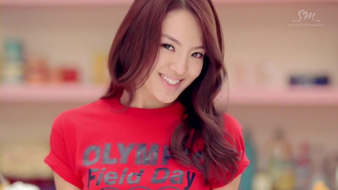 "KPOP Hyoyeon SNSD Rilis Buku Personal Style dengan Judul ""Hyo Style"" – IndoKpop"